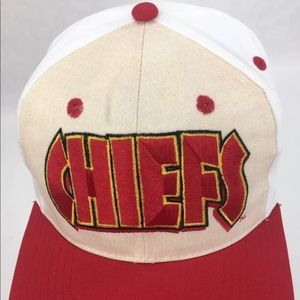 7a32425e53b Team NFL Accessories - Vintage 90 s Kansas City Chiefs cap SnapBack hat
